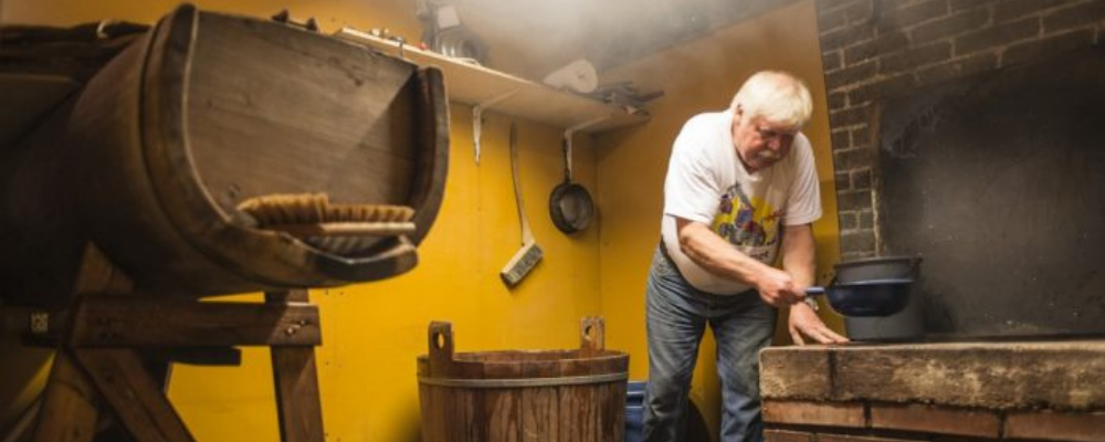 Viking households brewing their own mead